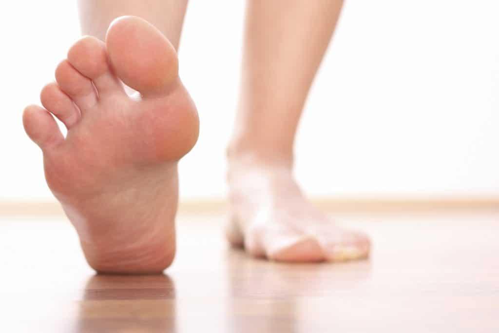 Huesos del pie: ¿Cuántos son? Funciones, anatomía, partes y mucho más