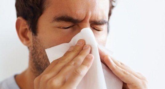 Herpes en la nariz: causas, síntomas, tratamiento y más